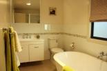 grace-cottages-bathroom-sm